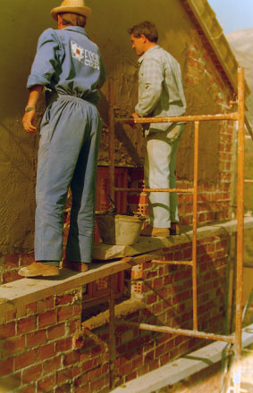 31-cementing-over-the-bricks