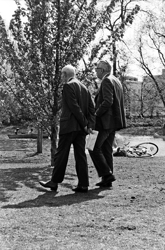 Regent's Park - Two Old Boys