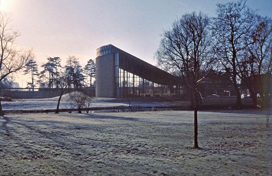 Shul on frosty morning